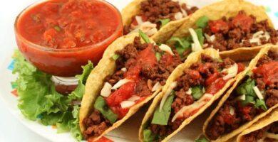 Tacos dorados de carne molida