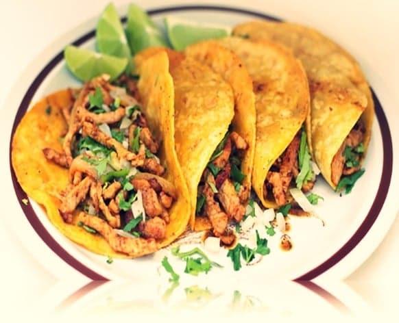 tacos mexicanos de pollo
