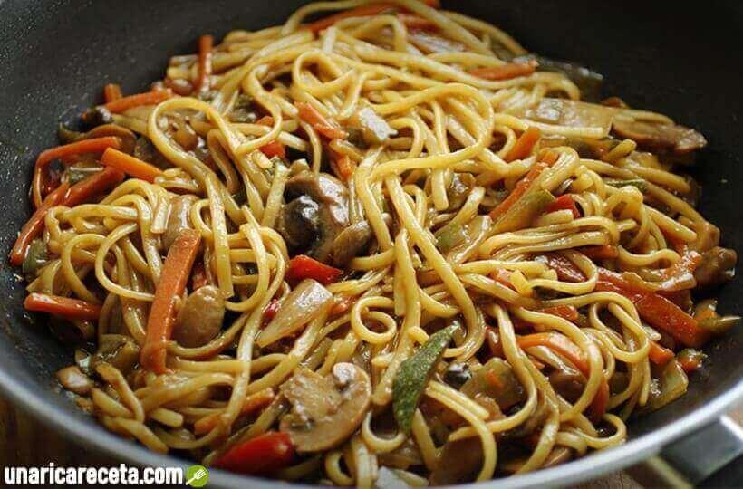 receta-de-tallarines-chinos-con-verduras